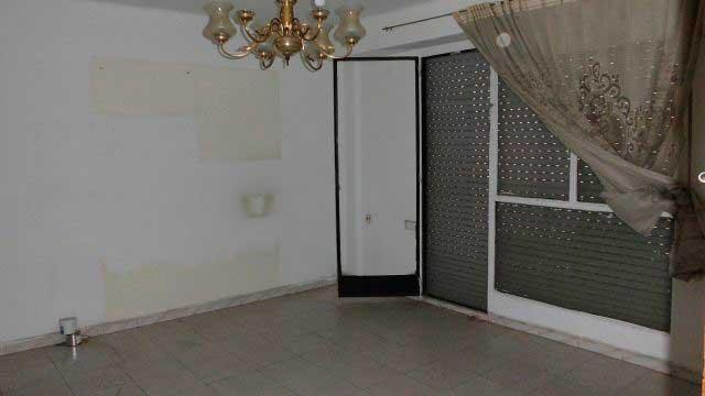 Se vende piso barato en calle valencia alcoy por for Amueblar piso barato valencia
