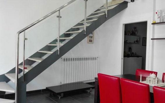 En-venta-atico-duplex-de-3-habitaciones-con-trastero-y-2-baños-en-zona-centro-Acceso-planta-superior