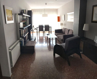 Se vende piso espacioso con vestidor zona centro for Muebles para garaje