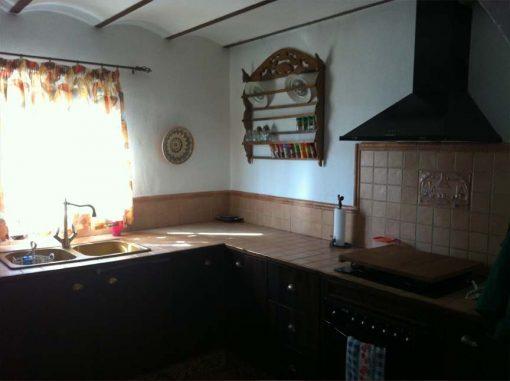 Masia en venta en Cela - cocina-1