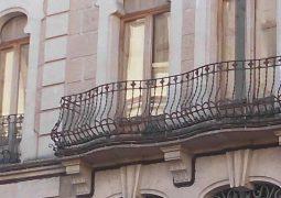 Duplex reformado en venta en zona Centro -balcones