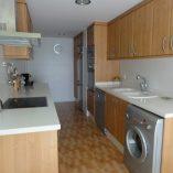 Moderno piso en venta con 4 habitaciones en Santa Rosa-cocina
