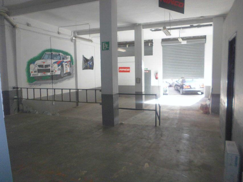 Se vende gran garaje en Santa Rosa-interior