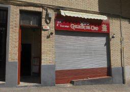 Se vende local-bar en Santa Rosa - puerta