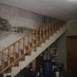 Se vende masía rural en Alcoy-escaleras