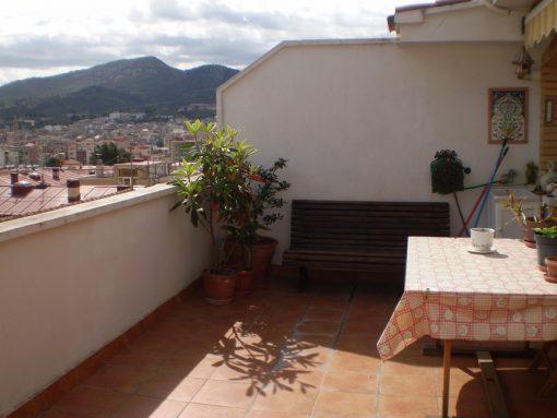 Vivienda con amplia terraza en Ensanche-terraza